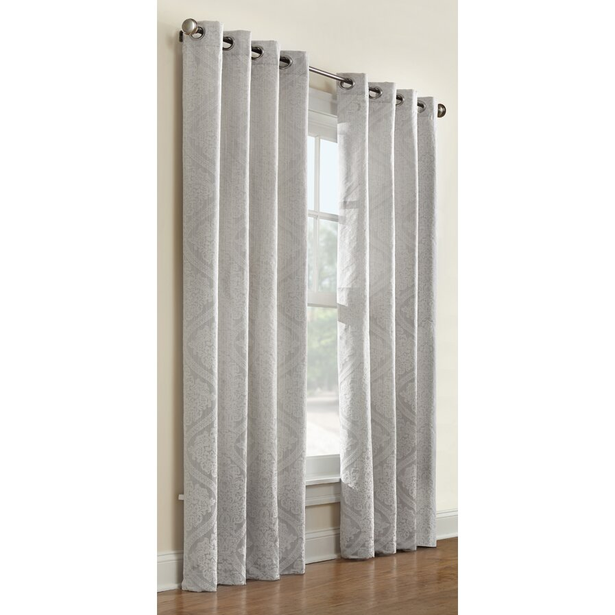 Commonwealth curtains