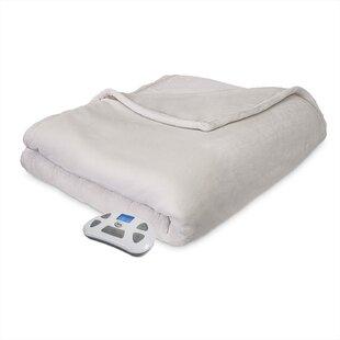 Modern Comfort Plush Blanket