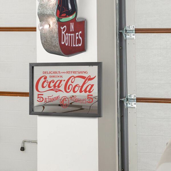 """Set of 6-5 Pinback Buttons and Key Chain 1 1//2/"""" Coke Coca-Cola Machines"""