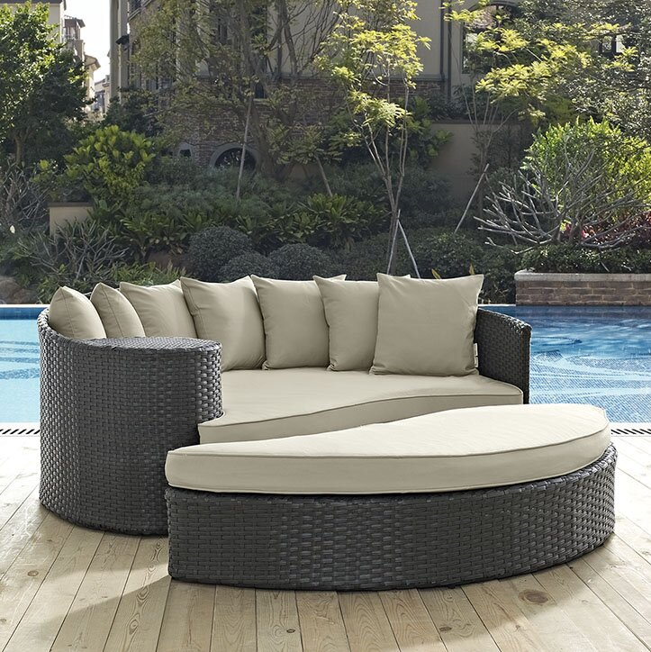 Marvelous Sojourn Daybed With Cushions
