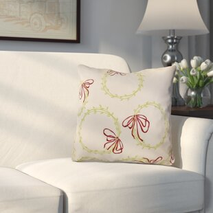 Briese Holiday Simple Wreath Outdoor Throw Pillow by The Holiday Aisle