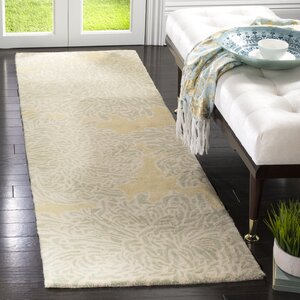 Martha Stewart Chrysanthemum Tufted / Hand Loomed Area Rug