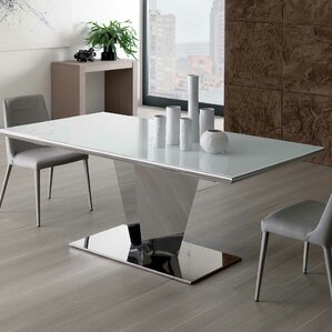 Damian Extendable Dining Table by YumanMod