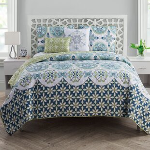 Lua Reversible Quilt Set