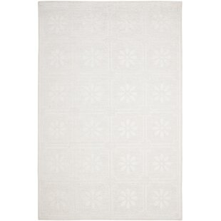 Comparison Martha Stewart Daisy Gls of Milk White Area Rug By Martha Stewart Rugs