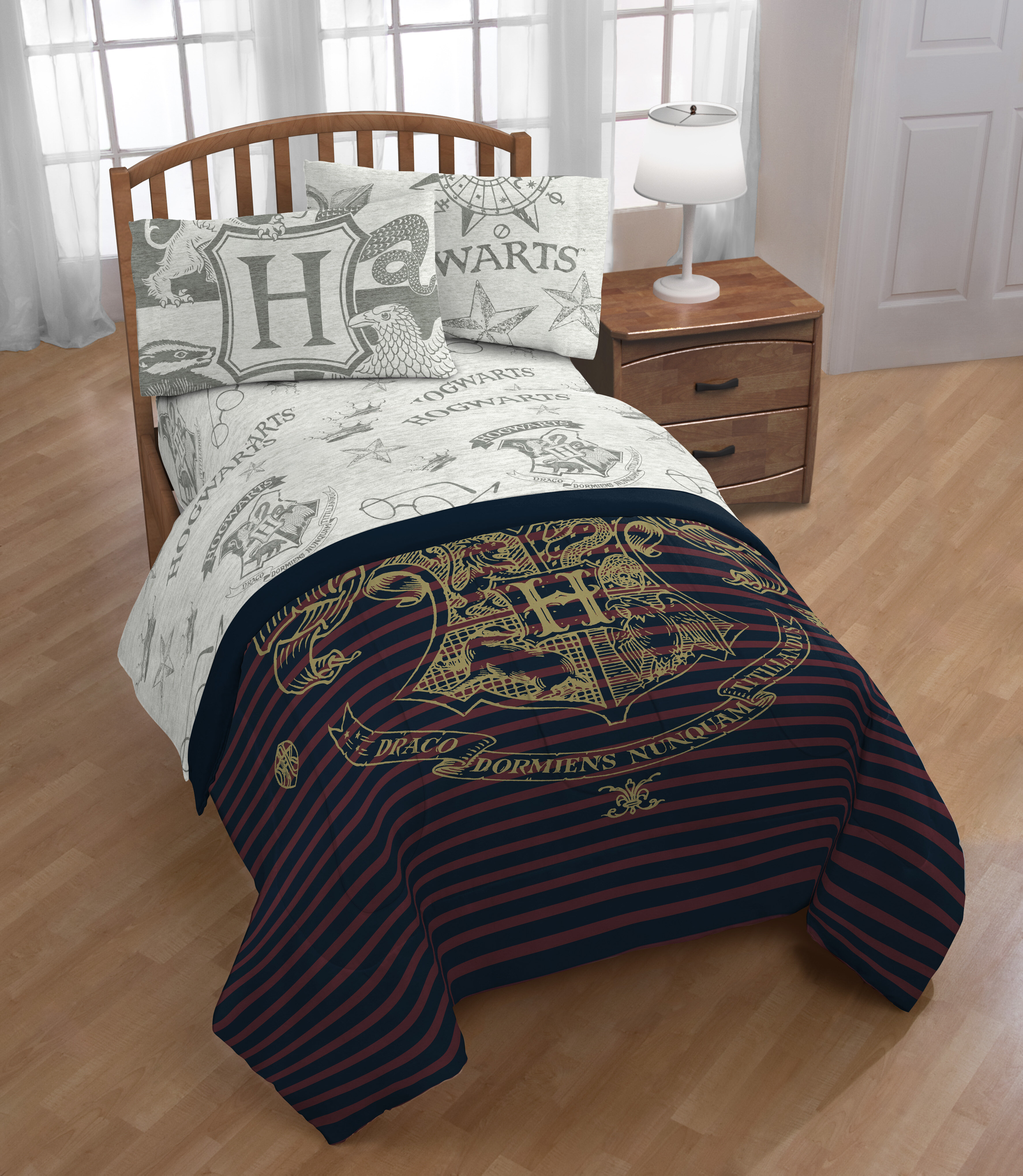 Harry Potter 3-Pieces Bedding Set Includes Quilt Cover And Pillowcases