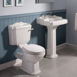 Badezimmer-Set Legend mit Waschtischarmatur von ..