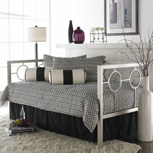 Lefferts Metal Daybed Frame by Everly Quinn