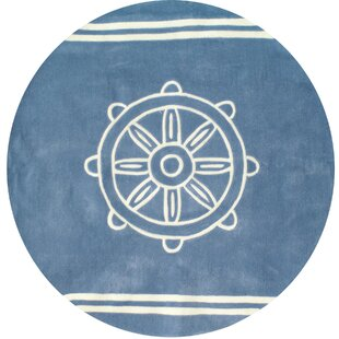 Searching for Kya Ship Wheel Hand-Tufted ByBreakwater Bay