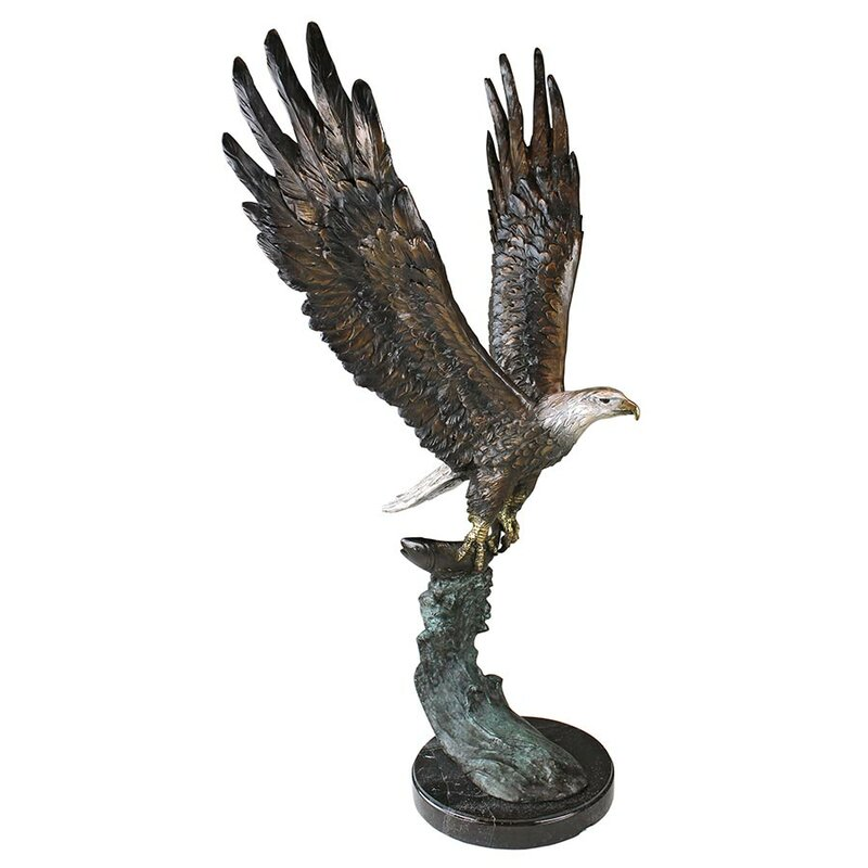 Majestic Eagle Garden Statue