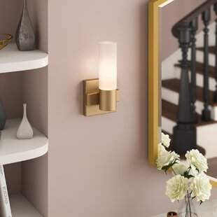Best Price Roche 1-Light Armed Sconce By Willa Arlo Interiors