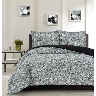 Heldt Comforter Set