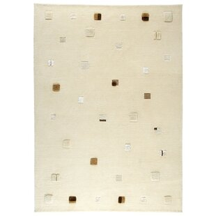 Bargain Colombia Hand-Knotted White Area Rug By M.A. Trading
