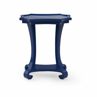 Mavi Drinks Table