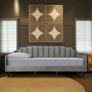 Nido Tufted Twin Daybed by Brayden Studio
