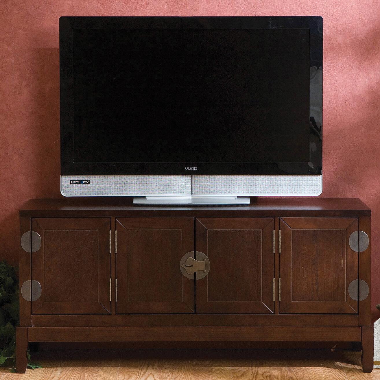 Woodhaven Hill Kingward TV Stand for TVs up to 48