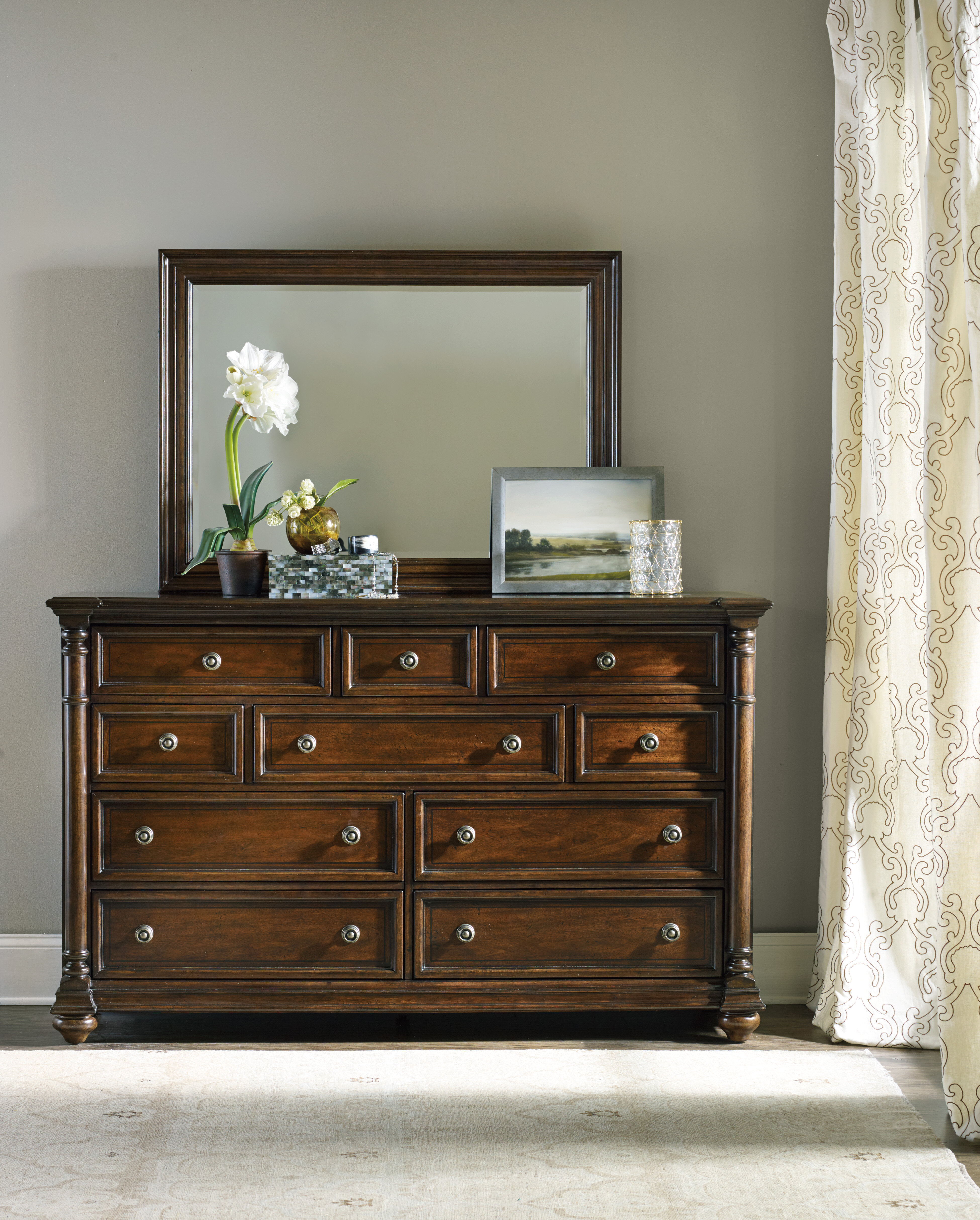 Hooker Furniture Leesburg 10 Drawer Dresser With Mirror Reviews