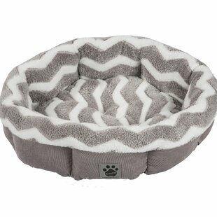 Marita Hip as a Zig Zag Shearling Round Bed