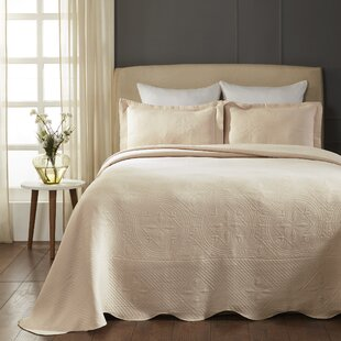 Orben Celtic Circle Scalloped Platinum Coverlet Set