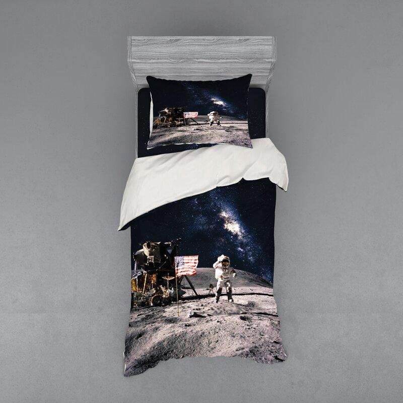 Navy Queen Urban Stripe Quilt and Pillow Sham Set