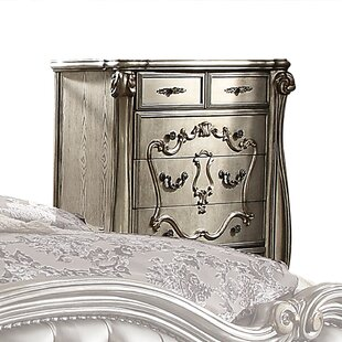 Welton 5 Drawer Chest by Astoria Grand Sale