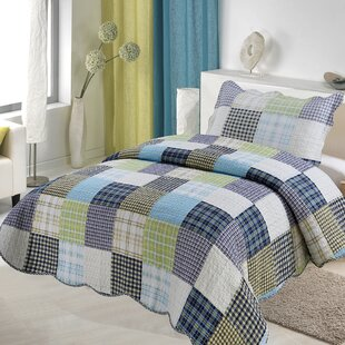 Findley 5 Piece Reversible Quilt Set