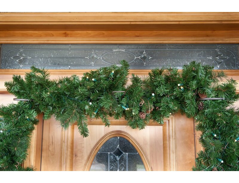 Premium Christmas Wreath EZ Single Door Garland Hanger & TreeKeeper Premium Christmas Wreath EZ Single Door Garland Hanger ...