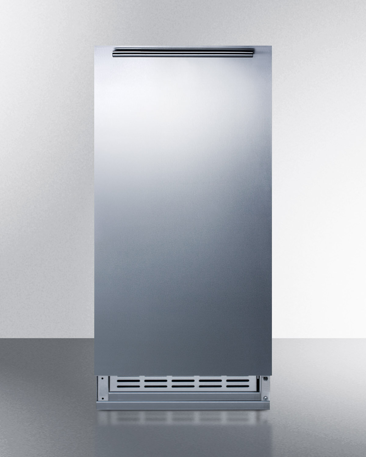 "Summit Appliance Summit 15/"" 12 lb Daily Production Built-In Ice Maker"