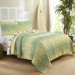 Dhekelia Reversible Quilt Set