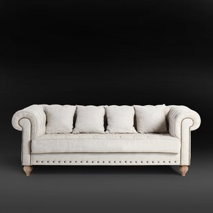 Chesterfield Sofa by Magari