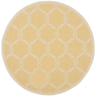 Short Yellow/Beige Indoor/Outdoor Area Rug
