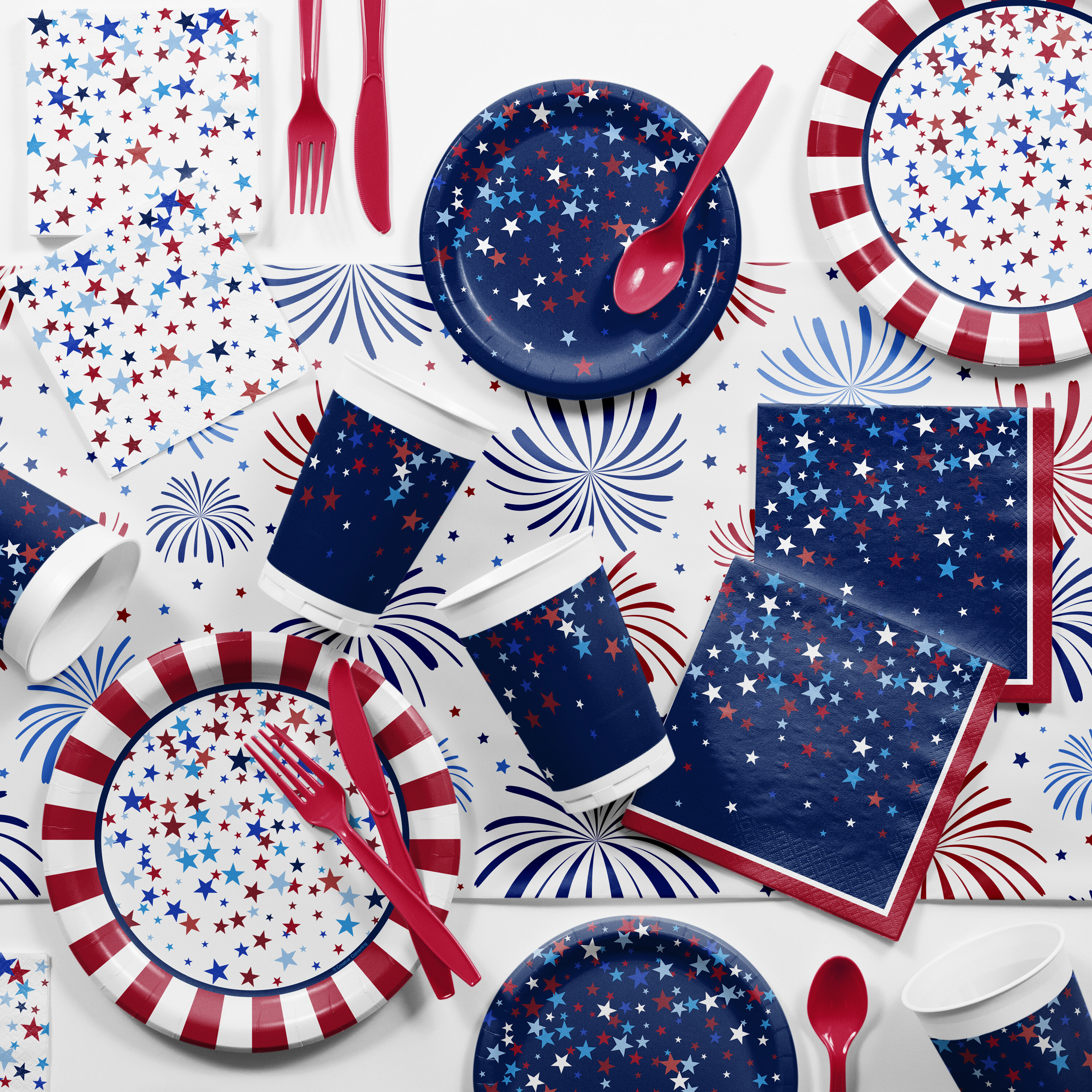 """Amscan Summer Stripes Red White Blue Patriotic Party 7/"""" Square Dessert Plates"""