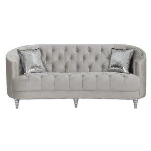 Lenum Sofa