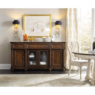 Leesburg Buffet Hooker Furniture