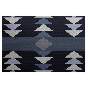Uribe Geometric Print Navy Blue Indoor/Outdoor Area Rug by Wrought Studio Bargain