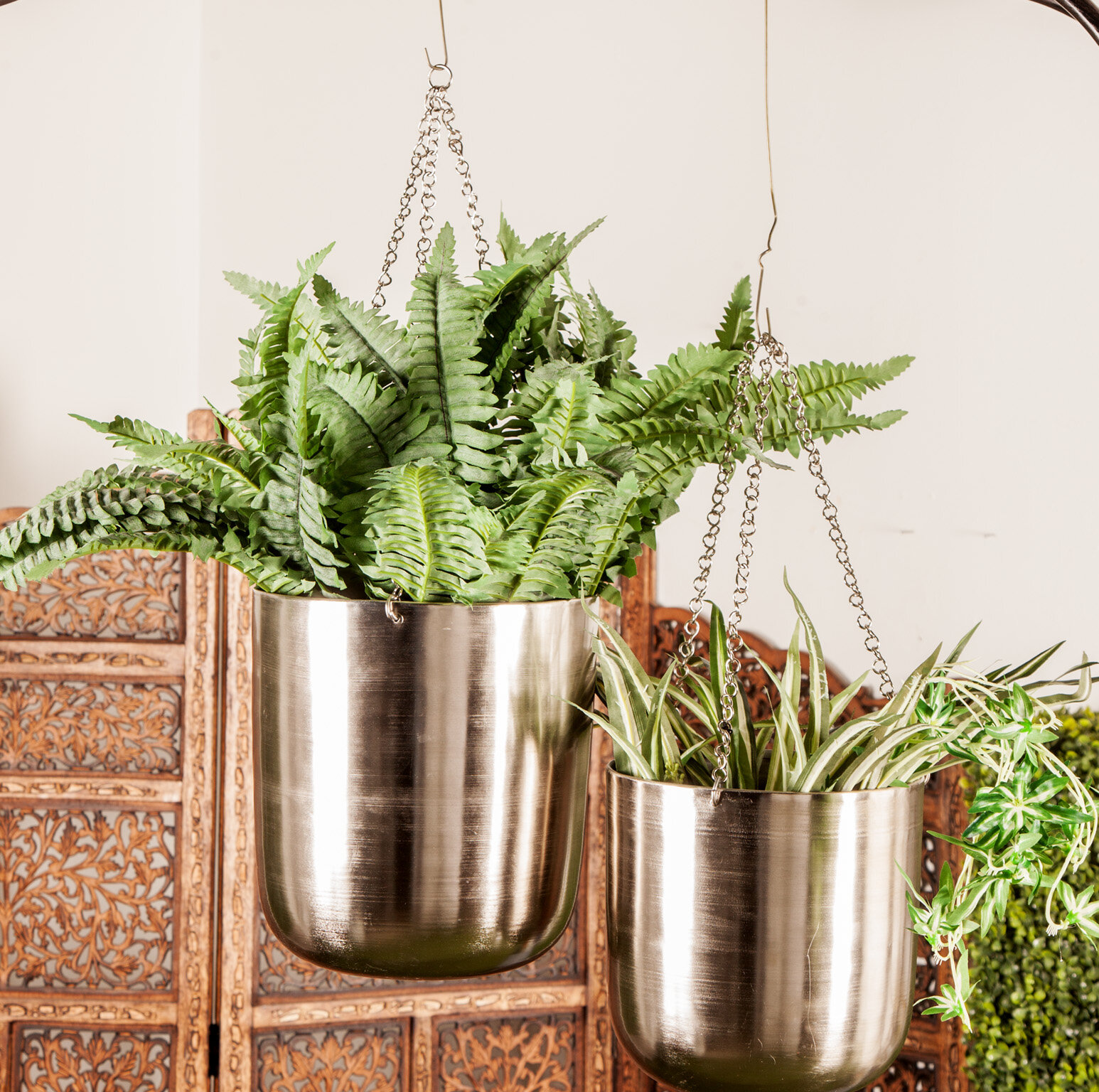 Cosmoliving By Cosmopolitan Modern 2 Piece Metal Hanging Planter Set Reviews Wayfair