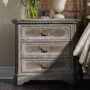 True Vintage 3 Drawer Bachelor's Chest by Hooker Furniture