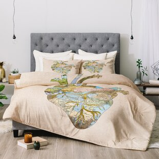 East Urban Home Bianca A Travelers Heart Comforter Set