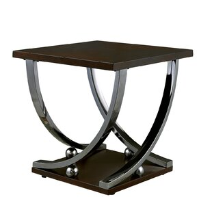 Mullinix End Table by Latitude Run