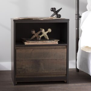 Taumsauk 1 Drawer Nightstand