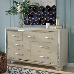 Rosdorf Park Domenick 7 Drawer Dresser