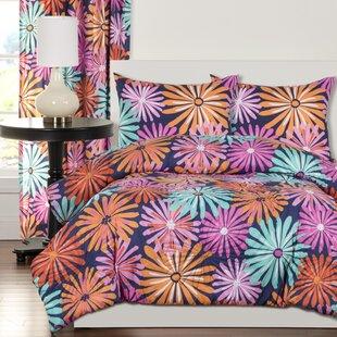 Crayola Dreaming of Daisies Comforter Set by Crayola LLC