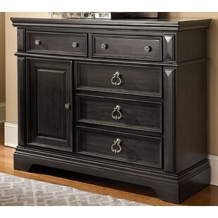 World Menagerie Derrell 5 Drawers Dresser