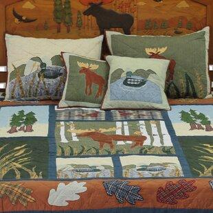 Millwood Pines Lavender Moose Quilt