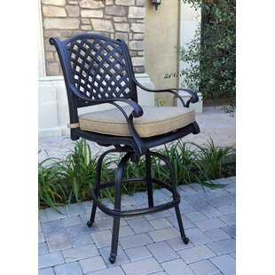 Lincolnville Patio Swivel Bar Stool with Cushion (Set of 4) (Set of 4)