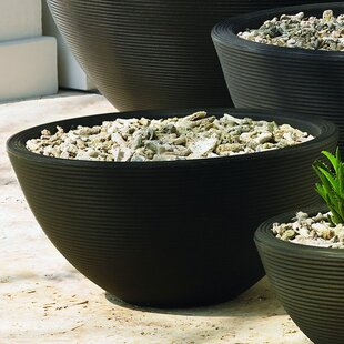 Crescent Garden Delano Resin Pot Planter