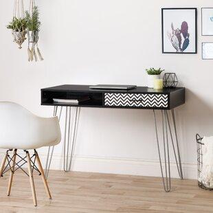 Lynnette Desk