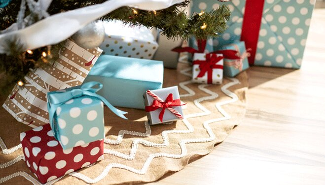 Style Tips for Arranging Christmas Gifts | Wayfair.co.uk