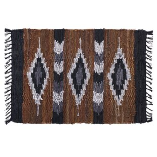Where buy  Snake River Canyon Hand Woven Brown/Black Area Rug ByHome Furnishings by Larry Traverso