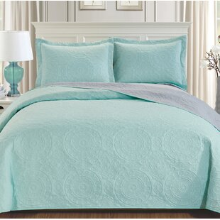 Brokaw 3 Piece Reversible Quilt Set